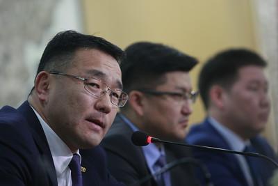 """2018  оны есдүгээр сарын 03.  Монгол Улсын Уул уурхай, хүнд үйлдвэрийн яамнаас зохион байгуулдаг """"Ил тод, хариуцлагатай уул уурхай"""" хэвлэлийн бага хурал боллоо. ГЭРЭЛ ЗУРГИЙГ Г.ӨНӨБОЛД/MPA"""