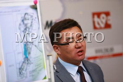 """2018 оны тавдугаар сарын 09.  """"Эрдэнэс Монгол"""" ХХК-ийн үрэлгэн зардалын талаар иргэд мэдээлэл хийлээ.   ГЭРЭЛ ЗУРГИЙГ Б.БЯМБА-ОЧИР/MPA"""