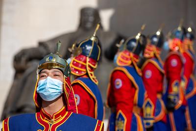 2021 оны гуравдугаар сарын 1. Монгол Ардын Намын 100 жилийн ой, Эх орончдын өдрийг тохиолдуулан Ерөнхий сайд Л.Оюун-Эрдэнэ, УИХ-ын дарга Г.Занданшатар, Монгол Ардын Намын дарга У.Хүрэлсүх, Ерөнхий нарийн бичгийн дарга Д.Амарбаясгалан нар жанжин Д.Сүхбаатарын хөшөөнд цэцэг өргөж, Чингисийн хөшөөнд хүндэтгэл үзүүллээ. ГЭРЭЛ ЗУРГИЙГ Б.БЯМБА-ОЧИР/MPA