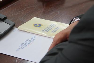 2018 оны долодугаар сарын 02. Төрийн байгуулалтын байнгын хорооны дарга, Үндсэн хуульд оруулах нэмэлт, өөрчлөлтийн төслийн ажлын хэсгийн ахлагч Д.Лүндээжанцан, Тамгын газрын Ерөнхий нарийн бичгийн дарга Ц.Цолмон, ажлын хэсгийн бусад гишүүд Үндсэн хуульд оруулах нэмэлт, өөрчлөлтийн төслийн талаар мэдээлэл хийлээ. ГЭРЭЛ ЗУРГИЙГ MPA