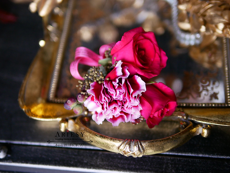 主婚人胸花,康乃馨胸花,母親胸花,美式婚禮,玫瑰胸花