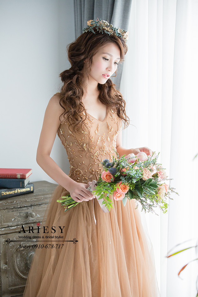 新娘秘書,橘色鬱金香,藍色雪花新娘捧花,Bridal bouquet,歐美風捧花