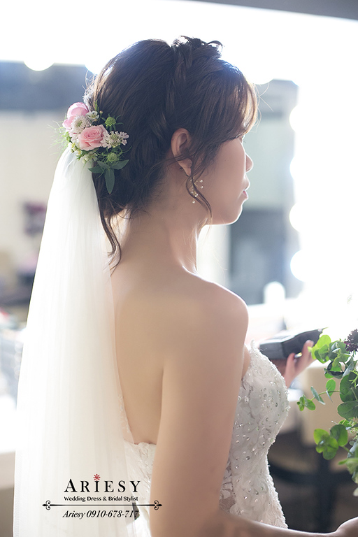 鮮花編髮,鮮花新秘,白紗編髮新娘造型,愛瑞思,ariesy,新竹新秘