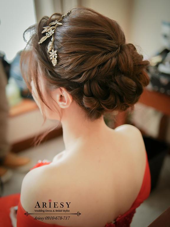 文定新秘,訂婚造型,紅色禮服,尊爵飯店,愛瑞思,ARIESY
