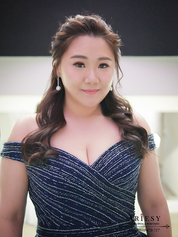藍色禮服造型,時尚名媛新娘髮型,藍色禮服造型,林酒店婚禮,大尺碼新娘禮服,敬酒新娘髮型