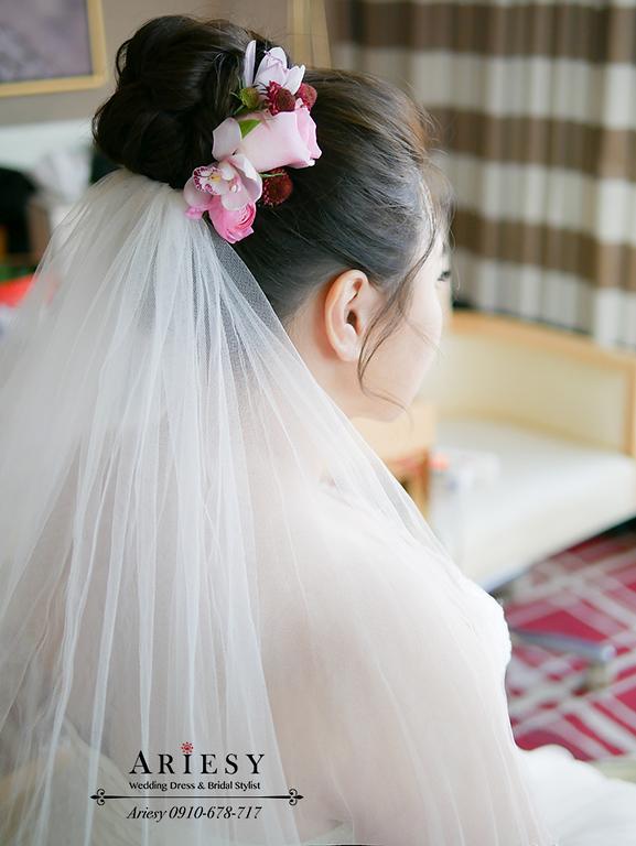 鮮花新秘,林酒店婚宴,台中新秘,時尚名媛新娘髮型,紅色禮服造型,林酒店婚宴,大尺碼新娘禮服,新娘髮型