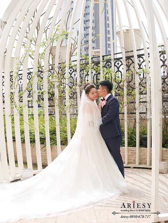 大尺碼新娘禮服,鮮花新秘,林酒店婚宴,台中新秘,時尚名媛新娘髮型,紅色禮服造型,大尺碼新娘禮服,林酒店婚宴,新娘髮型