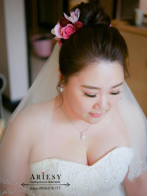 鮮花新秘,林酒店婚宴,台中新秘,時尚名媛新娘髮型,大尺碼新娘禮服,紅色禮服造型,林酒店婚宴,新娘髮型
