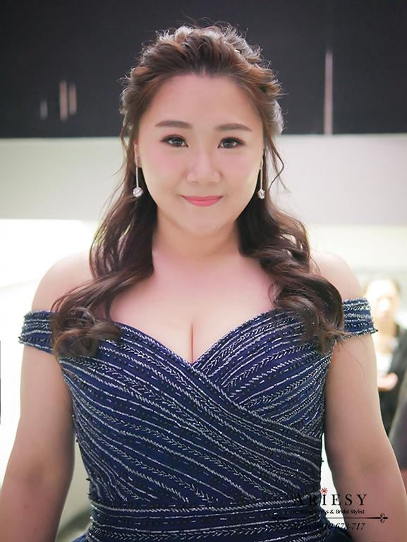 藍色禮服造型,時尚名媛新娘髮型,藍色禮服造型,林酒店婚禮,大尺碼新娘禮服,敬酒新娘髮型,大尺碼新娘禮服