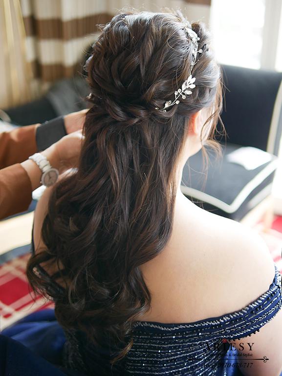 大尺碼新娘禮服,藍色禮服造型,時尚名媛新娘髮型,藍色禮服造型,大尺碼新娘禮服,林酒店婚禮,敬酒新娘髮型