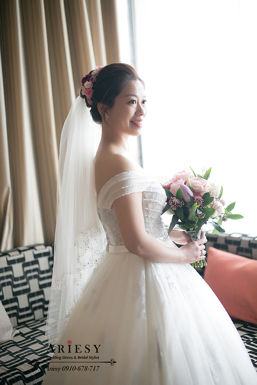 台中新秘,白紗鮮花新娘造型,新娘秘書,美式莫達蘭迪色搭配繽紛飽和粉紫色捧花,ARIESY,愛瑞思