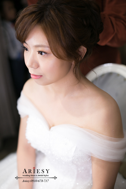 美式新娘秘書,游泳池婚禮,青青時尚,台北新秘,戶外婚禮造型,白紗造型