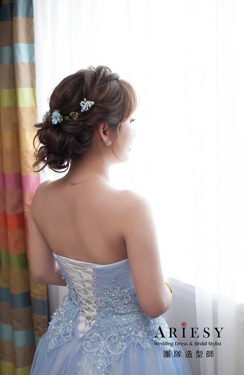 送客髮型,鮮花花藝飾品,自然妝感,,新娘髮型,蓬鬆線條編髮,清新甜美新娘造型
