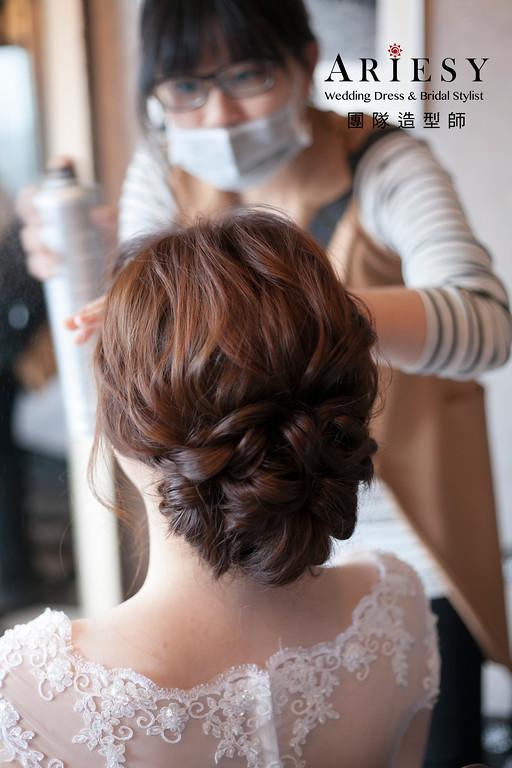 台北新祕,白紗進場造型,新娘髮型,蓬鬆編髮,甜美風新娘造型