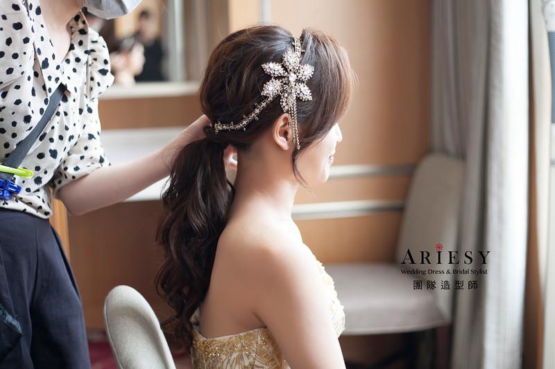 敬酒造型,低馬尾造型,輕透自然妝感,新娘髮型,晚禮服造型