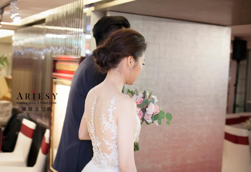 白紗進場造型,台北新祕,新娘髮型,名媛時尚新娘造型,蓬鬆編髮