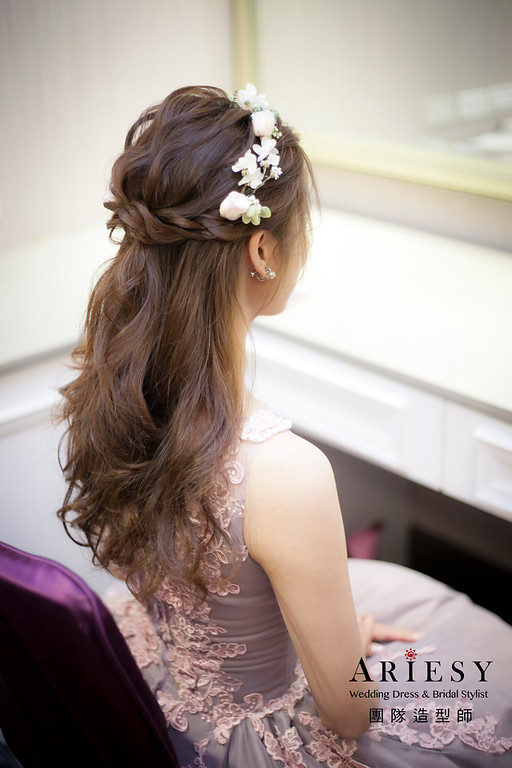 送客造型,蓬鬆編髮造型,新娘造型,花藝花圈飾品,鮮花新祕,徐州路二號婚宴