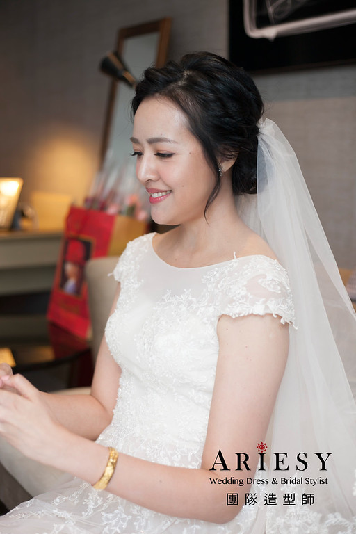 白紗造型,編髮新娘造型,黑髮新娘髮型,進場白紗髮型,寒舍艾美婚宴