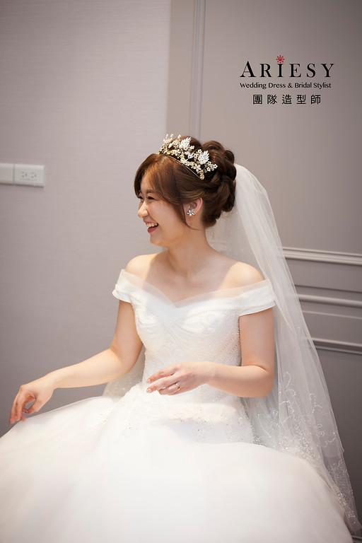 白紗造型,編髮新娘造型,進場新娘髮型,格萊天漾婚宴,韓風新娘造型,新娘捧花
