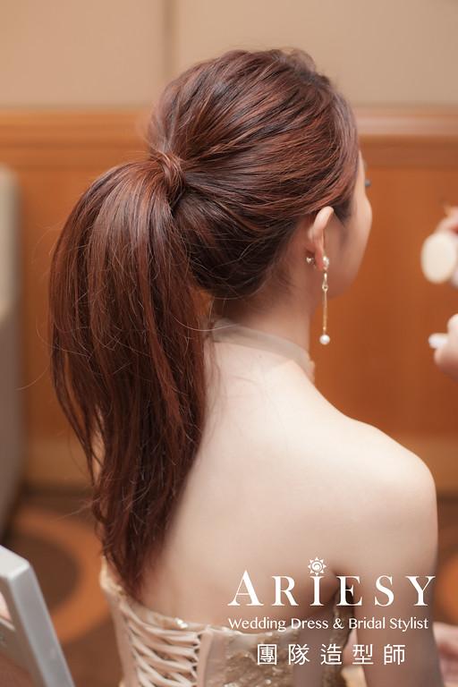 金色禮服造型,敬酒髮型,時尚造型,時尚耳環,新娘妝