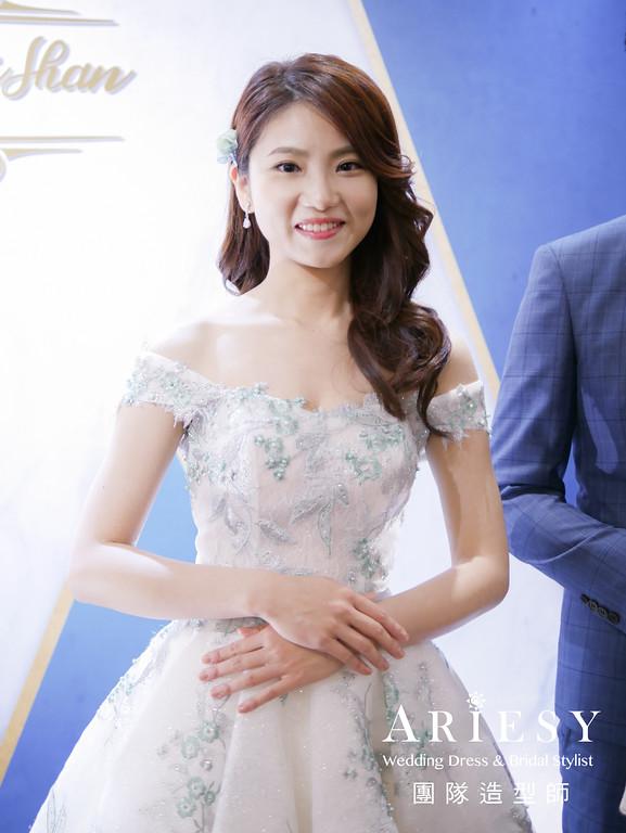 湖水綠蕾絲禮服造型,送客髮型,新娘妝感,繡球花,鮮花造型