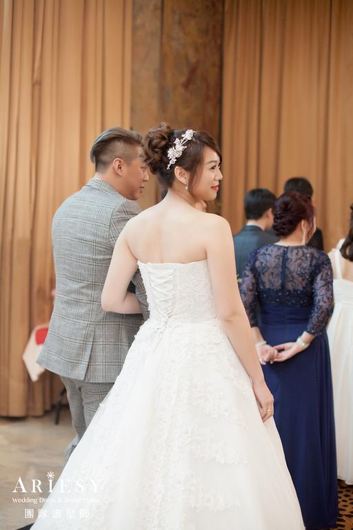 白紗進場髮型,新娘造型,新娘秘書,台北新秘推薦,新娘編髮