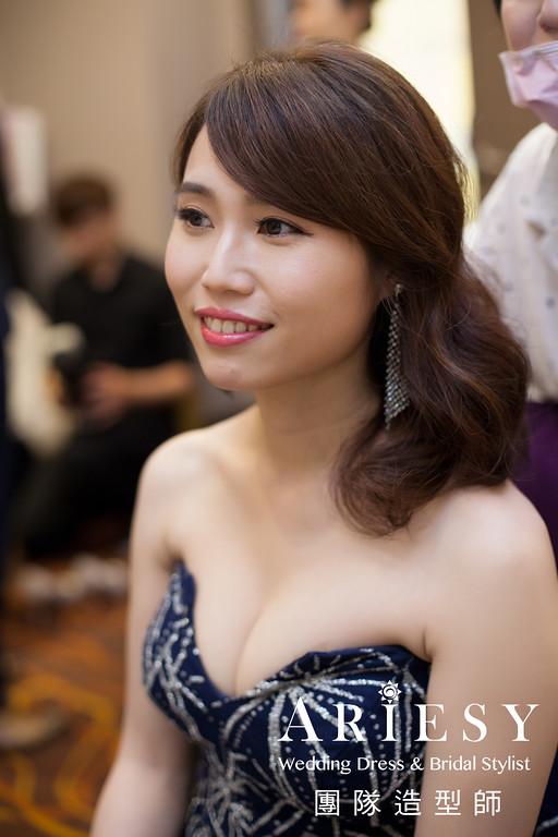 新娘秘書推薦,敬酒髮型,新娘時尚造型,深藍色禮服造型,新娘髮型