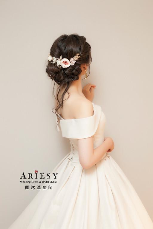 台北新祕,新娘秘書,新娘造型,自然輕透妝感,蓬鬆編髮,鮮花新祕,新娘髮型