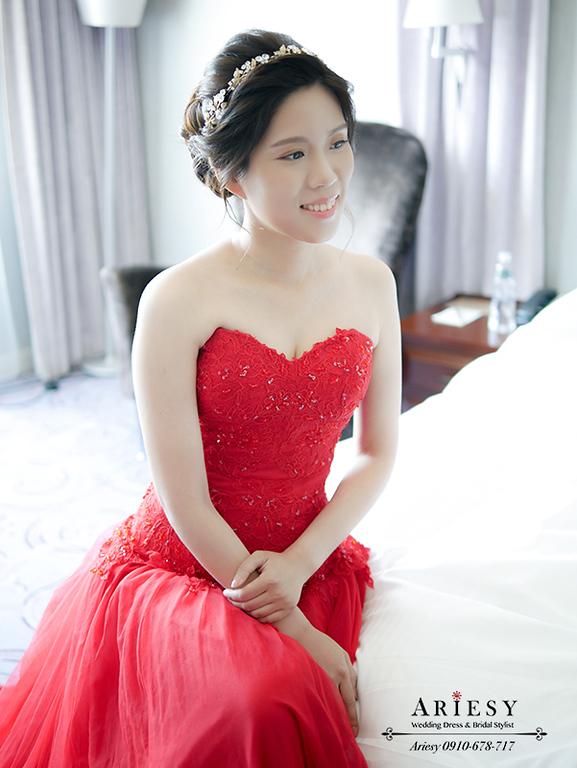 訂婚造型,愛瑞思,奉茶儀式,新娘自然妝感,新娘秘書,編髮髮型,紅色禮服髮型