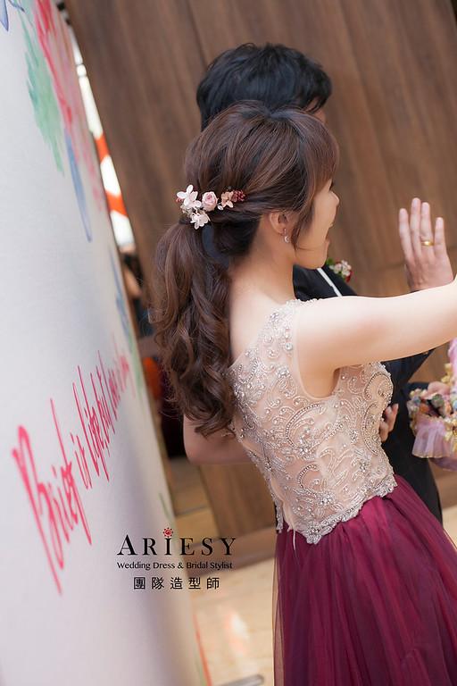 台北新祕,新娘秘書,新娘造型,馬尾造型,花藝飾品,自然清透妝感