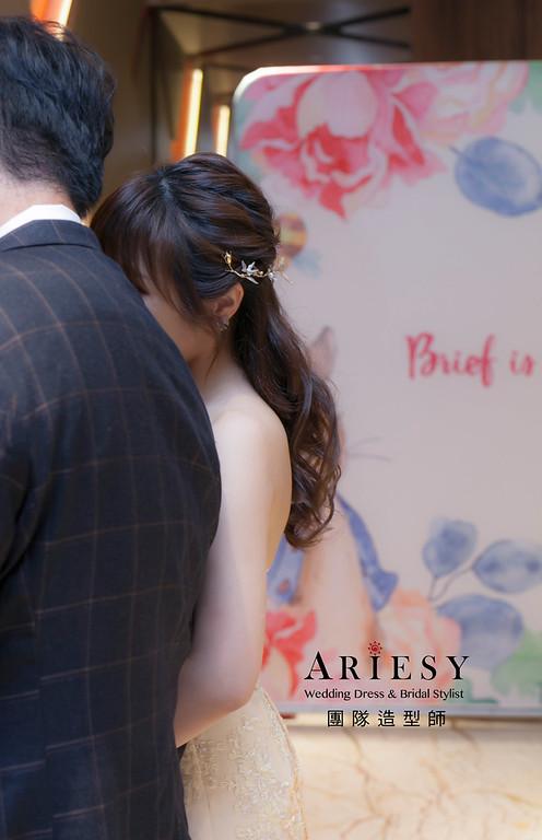 台北新祕,新娘秘書,新娘造型,自然清透妝感,新娘髮型,蓬鬆編髮