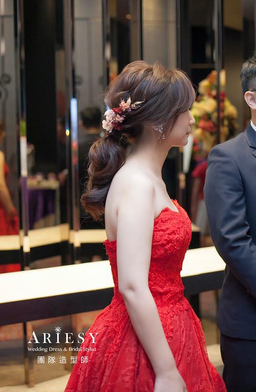 新娘髮型,編髮造型,馬尾造型,台北新祕,新娘秘書,自然清透妝感,花藝新娘飾品,鮮花新祕