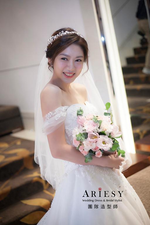 白紗造型,盤髮造型,台北新祕,新娘秘書,新娘造型,自然清透妝感,新娘髮型