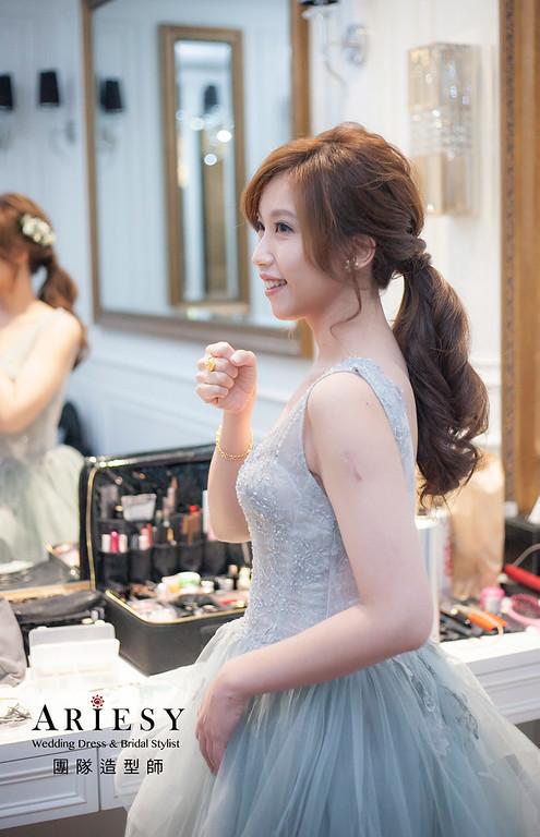 新娘髮型,編髮造型,台北新祕,新娘秘書,新娘造型,敬酒造型,馬尾造型,自然清透妝感,花藝飾品