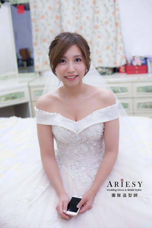 白紗造型,編髮造型,台北新祕,新娘秘書,新娘造型,自然清透妝感,蓬鬆編髮