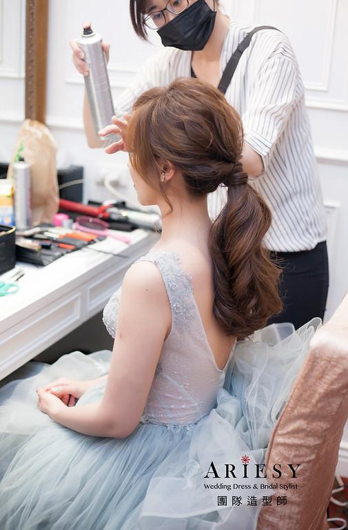 新娘髮型,編髮造型,台北新祕,新娘秘書,新娘造型,敬酒造型,馬尾造型,自然清透妝感,,花藝飾品