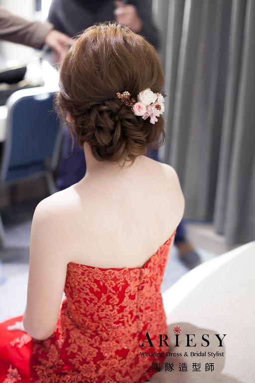 訂婚造型,敬酒造型,新娘髮型,花藝飾品,紅色晚禮服造型