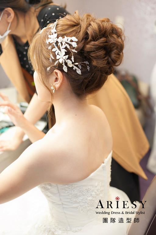 白紗造型,新娘髮型,清透妝感,花苞頭造型,台北新祕