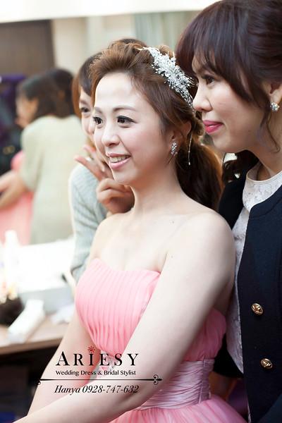 台北新祕,新秘推薦,新娘造型,新娘髮型,蓬鬆編髮