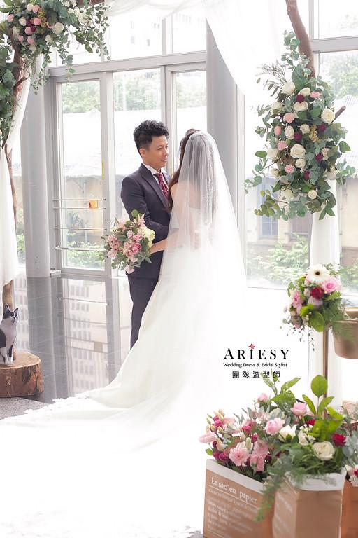 白紗造型,放髮造型,台北新祕,新娘秘書,新娘造型,自然清透妝感,推薦新祕