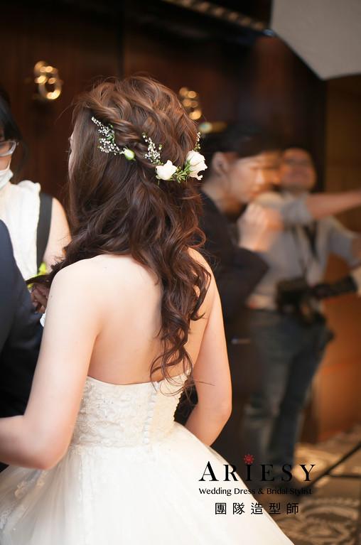 白紗造型,花藝飾品,歐美風格造型,浪漫長髮造型,新娘髮型