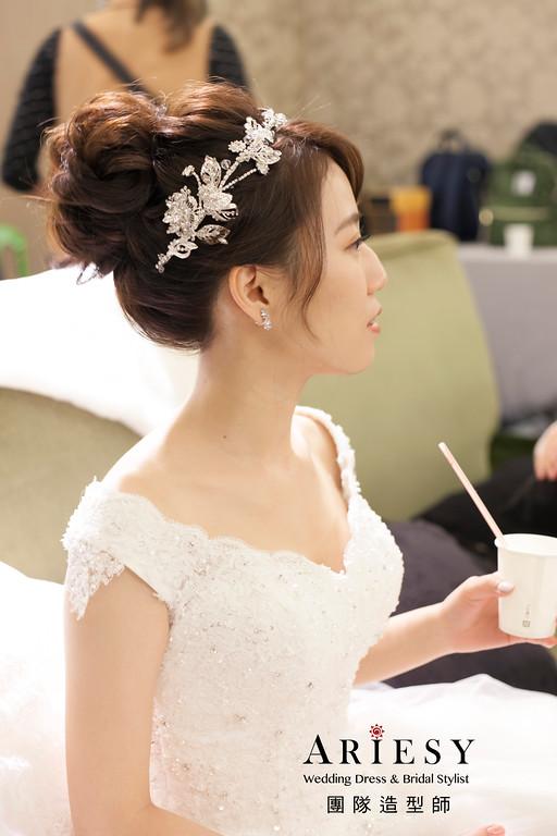白紗造型,台北新祕,進場白紗髮型,編髮新娘造型,新娘包頭