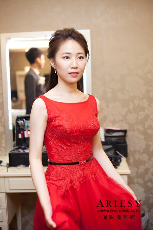 敬酒造型,編髮新娘造型,紅色禮服造型,清透妝感,新娘秘書