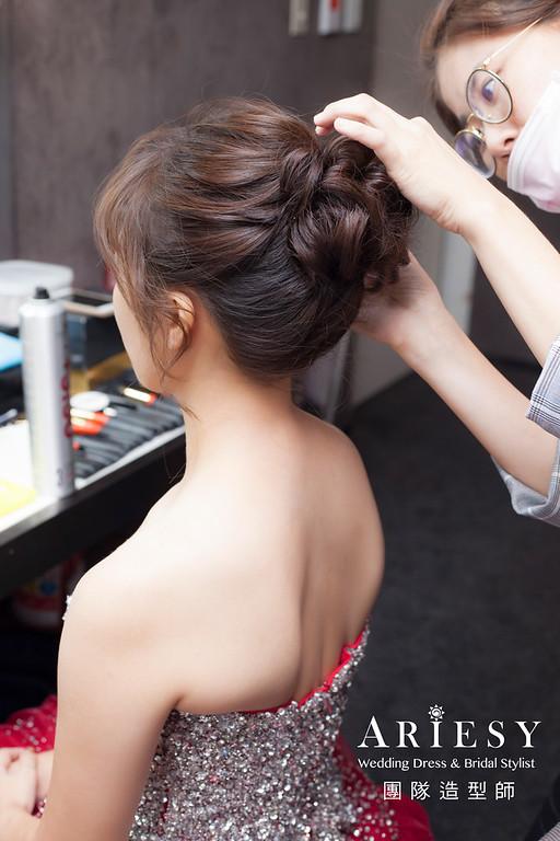 台北新祕,新娘秘書,推薦新祕,新娘造型,自然清透妝感,蓬鬆編髮,新娘髮型,敬酒造型,短髮新娘