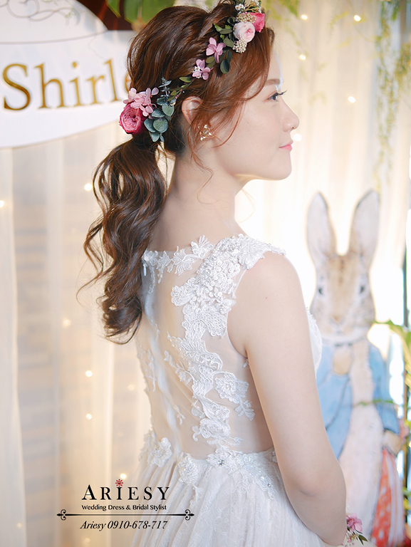萬怡酒店婚宴,鮮花新娘造型,花環造型,ARIESY,類白紗新娘造型