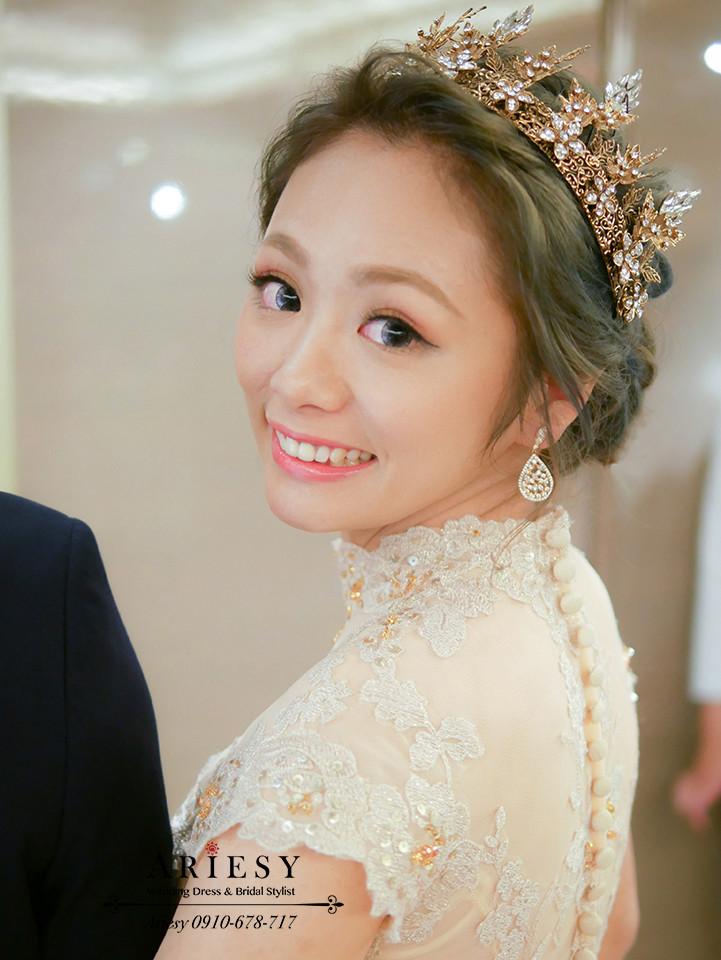 新秘作品,新娘秘書,皇冠造型,敬酒造型,歐美新娘,新娘髮色,清透妝感