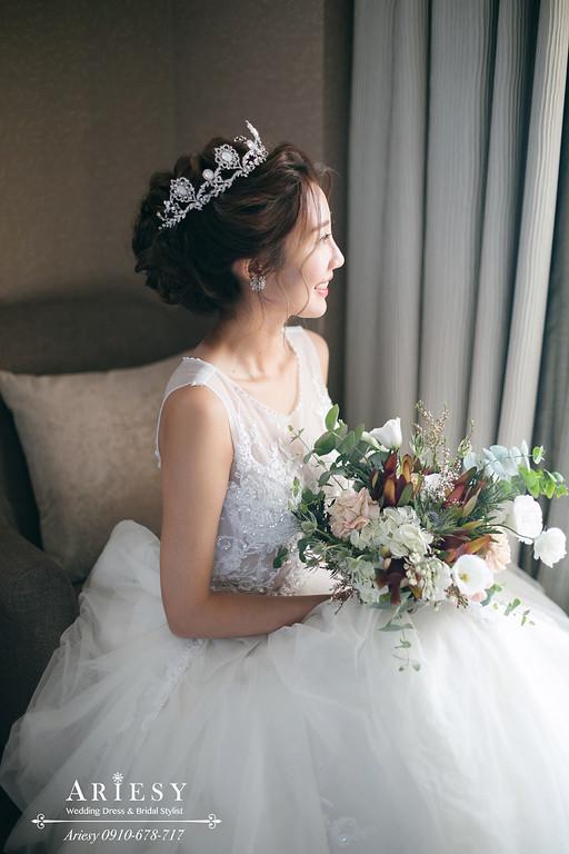 新娘秘書,新秘,台北新秘推薦,美式捧花,皇冠白紗造型,名媛新娘髮型,新娘秘書推薦愛瑞思,愛瑞思ariesy婚紗禮服