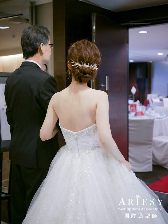 進場髮型,新娘白紗造型,台北新秘,日系新娘髮型,空氣感編髮