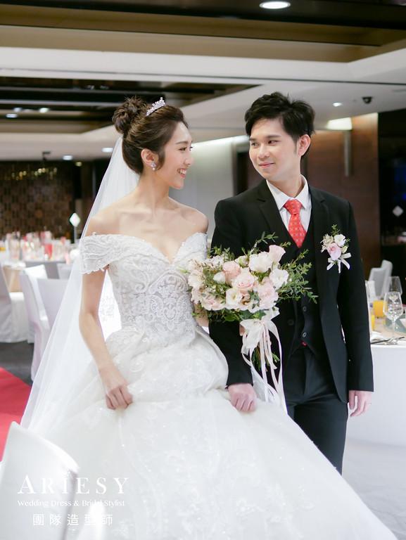 進場造型,新娘編髮,黑髮新娘,皇冠造型,長頭紗造型