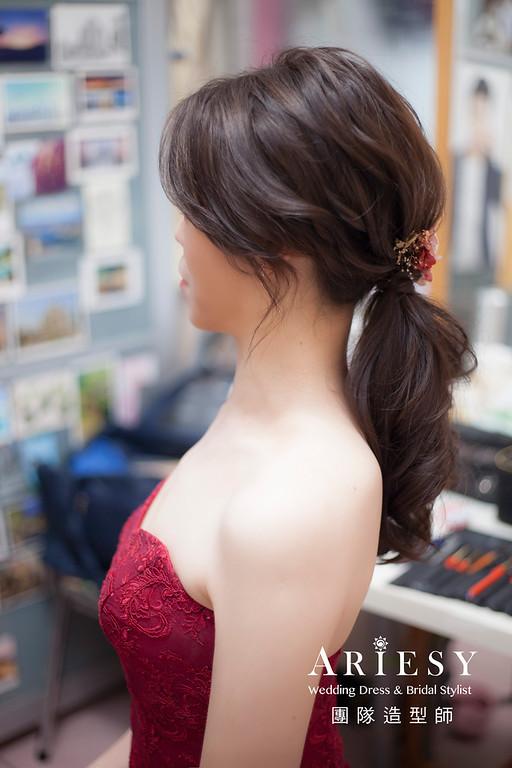 台北新祕,新娘秘書,新娘造型,蓬鬆編髮,文定造型,自然清透妝感,文定禮服,馬尾造型,推薦新秘,花藝新娘飾品
